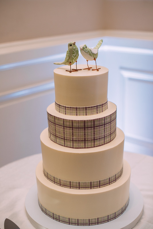 modern-wedding-cake-washington-dc-wedding-Emily-Clack-Photography