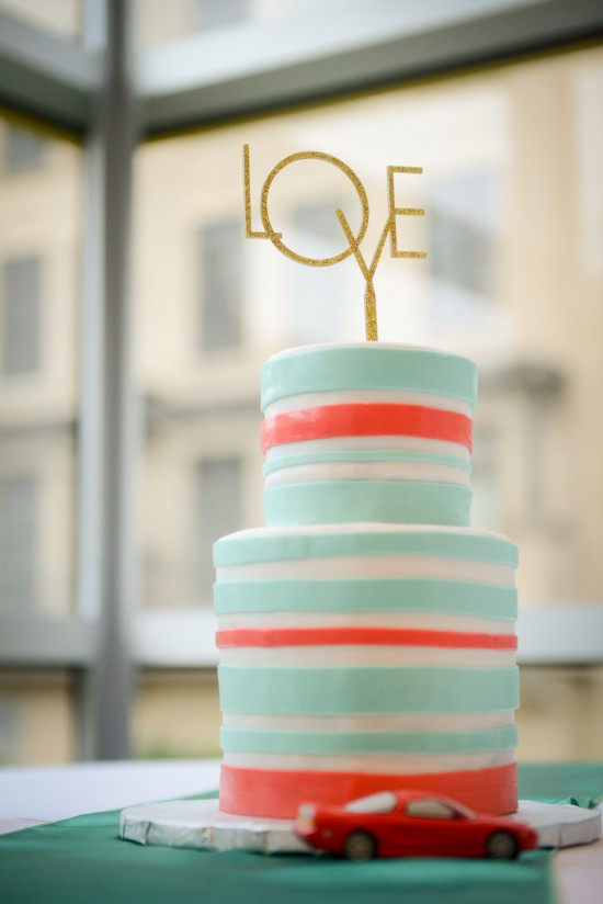 modern-wedding-cakes-maryland-wedding-Erica-Dietz-Photography