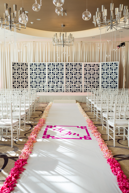 ombre-wedding-aisle-maryland-wedding-Mary-Brunst-photography