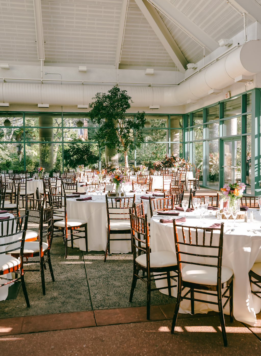 Photography Liz Venue The Atrium At Meadowlark Gardens Day Of Coordination Designed Perfectly Events Fl Maryam Flowers